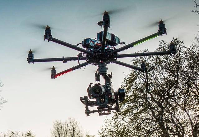 drone-cinestar8-octocopter-reddragon-cropped.jpg