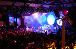Superstars Earth Wind & Fire perform for 2200 guests